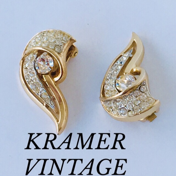 Vintage Kramer Jewelry - VINTAGE KRAMER RHINESTONES GOLD EARRINGS